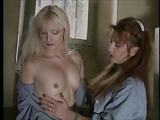 Etreintes a La Prison De Femmes (1989)